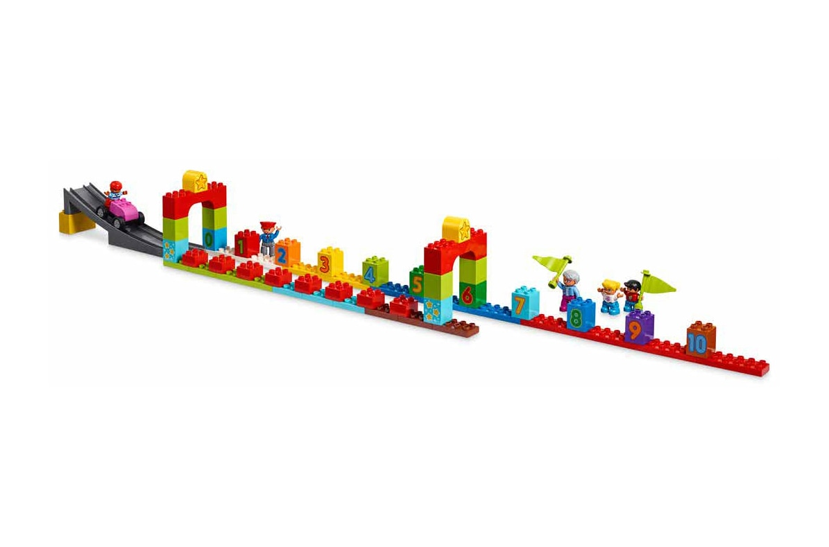 LEGO STEAM Park ramp building picture pattern.